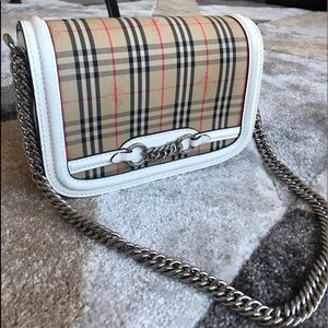 Authentic cute Burberry Chain Bag